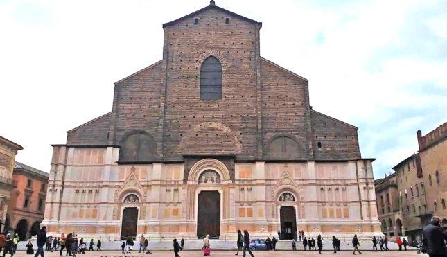 5 motivos para ir a Bolonha Italia e conhecer o museu Lamborghini
