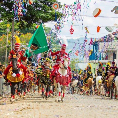 Programe seu Carnaval: dicas de destinos para aproveitar a festa em 2019